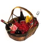 Προτάσεις δώρων. Καλάθια κρασιών και οινοπνευματώδη ποτών ιδανικά για δώρα.